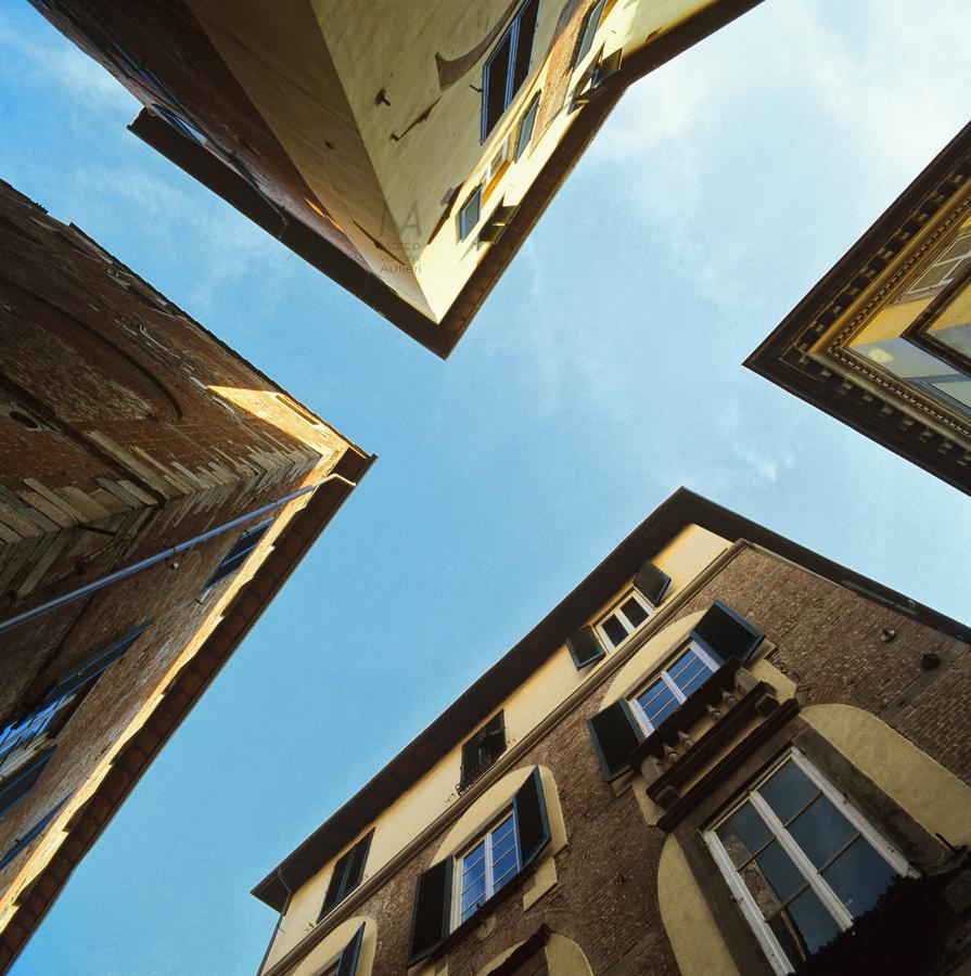 Sono stato a Pisa ed a Lucca e mi son messo a guardare in alto