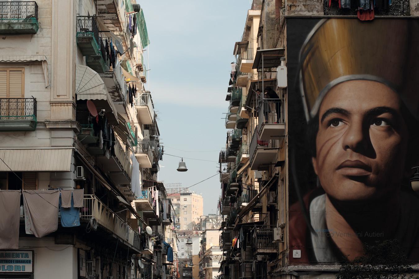 Naples' busy architecture: i palazzi di Napoli
