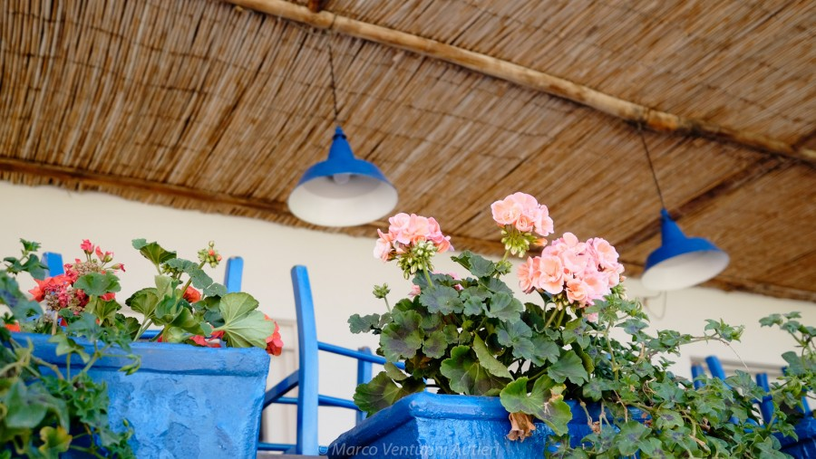 This pretty restaurant utilises the typical colour of the island (turquoise) and combines it with beautiful flowers and a welcoming open space