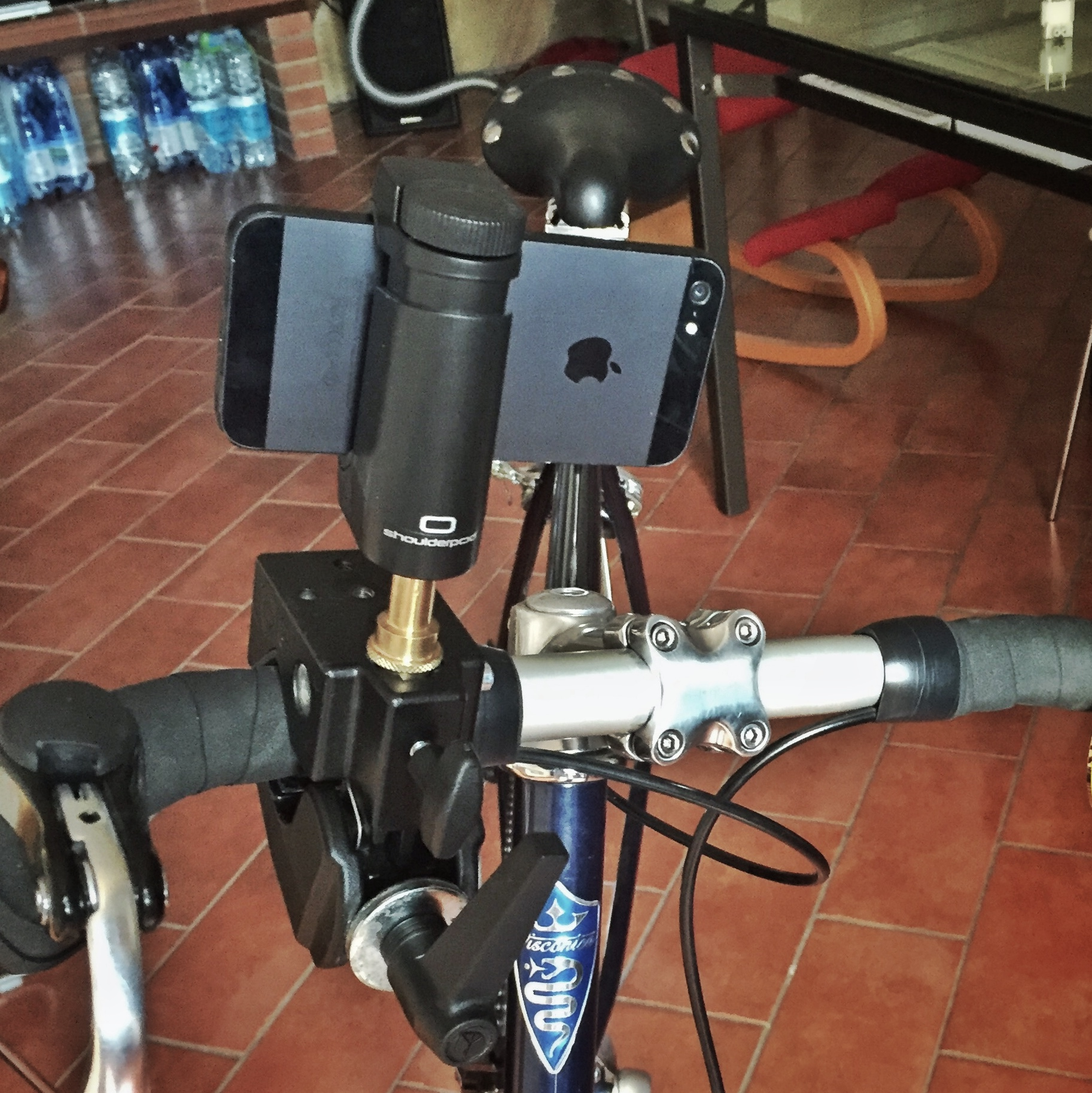 Attaching a smartphone to a bicycle